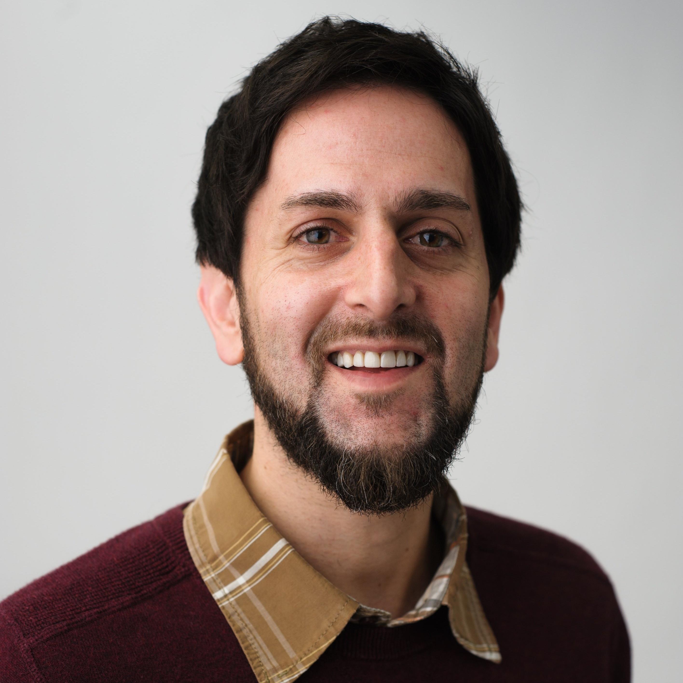Adam Vasey Headshot